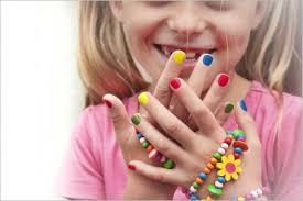 Image result for ناخن جویدن در کودکان